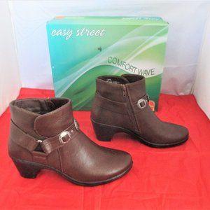 Easy Street Women's Bailey Booties